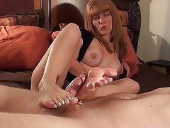 Hot footjob with green toes by milf