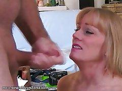 Amateur Cuckold MILF Wife