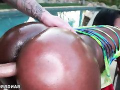 Amateur Babe Big Ass Big Tits Ebony