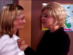 Babe Cunnilingus Lesbian Old and Young