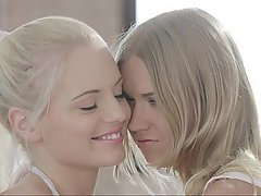 Babe Blonde Cute Lesbian Skinny